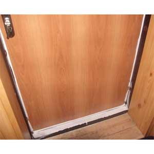 Двери промерзают